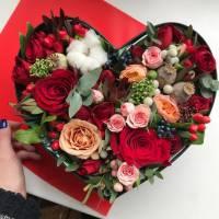 Сборное сердце с розами в коробке R510